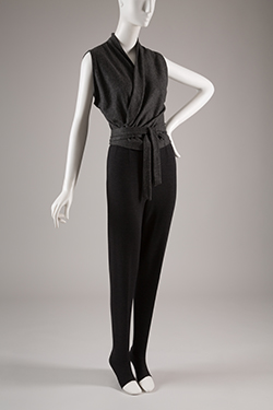 Vera Maxwell, gray and black wool knit top and pants set, circa 1959. The Museum at FIT, Gift of Vera Maxwell. © The Museum at FIT