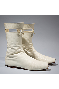 André Courrèges, boots, 1964, gift of Ruth Sublette. 77.183.2