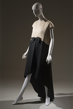 Cristóbal Balenciaga, evening dress, 1968, gift of Mrs. Ephraim London, Mrs. Rowland Mindlin and Mrs. Walter Eytan. in memory of Mrs. M. Lincoln Schuster. 78.134.6