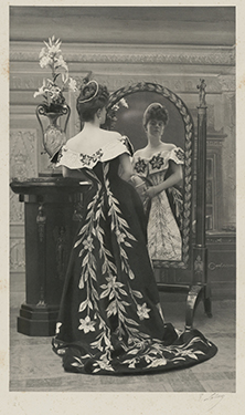 "Photograph by Paul Nadar, the Countess Greffulhe wearing the  ""Lily Dress"" created by the House  of Worth, 1896. © Nadar/Galliera/ Roger-Viollet."