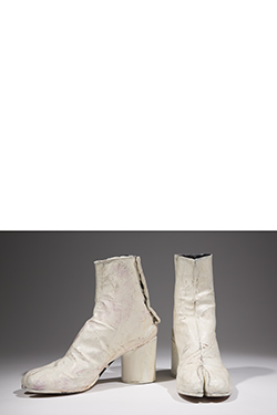 white ankle tabi boots